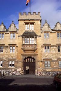 225px-Oriel_College_Main_Gate